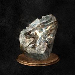 Piedra de cabeza de dragón centelleante