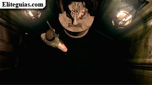 Estatua del tigre con el primer Disquete MO